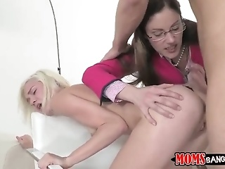 Blonde Samantha Ryan Just Loves To Blow And Cant Say No To Her Hard Dicked Fuck Buddy Michael Vegas